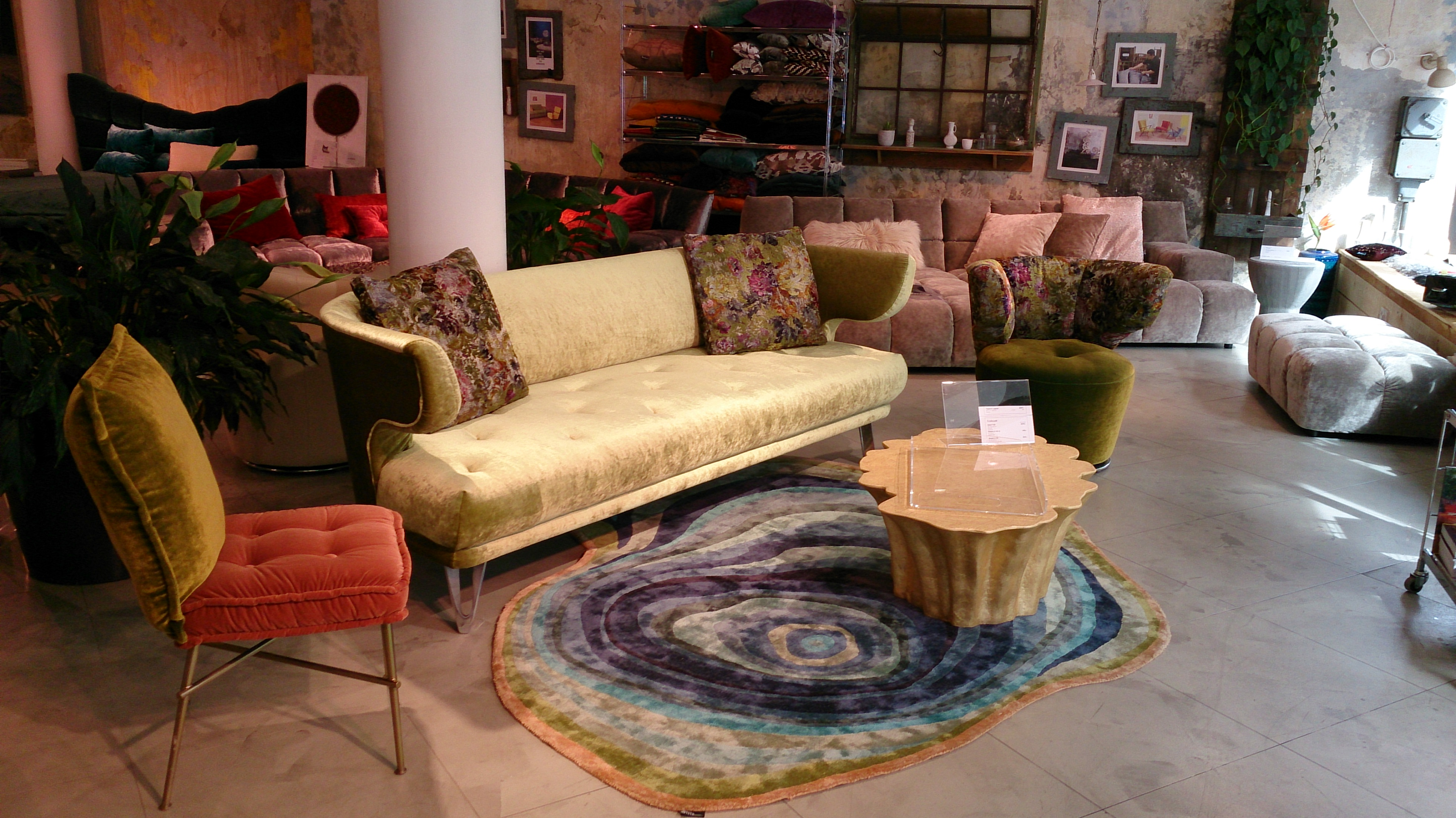 dsc 2364 bretz store frankfurt. Black Bedroom Furniture Sets. Home Design Ideas