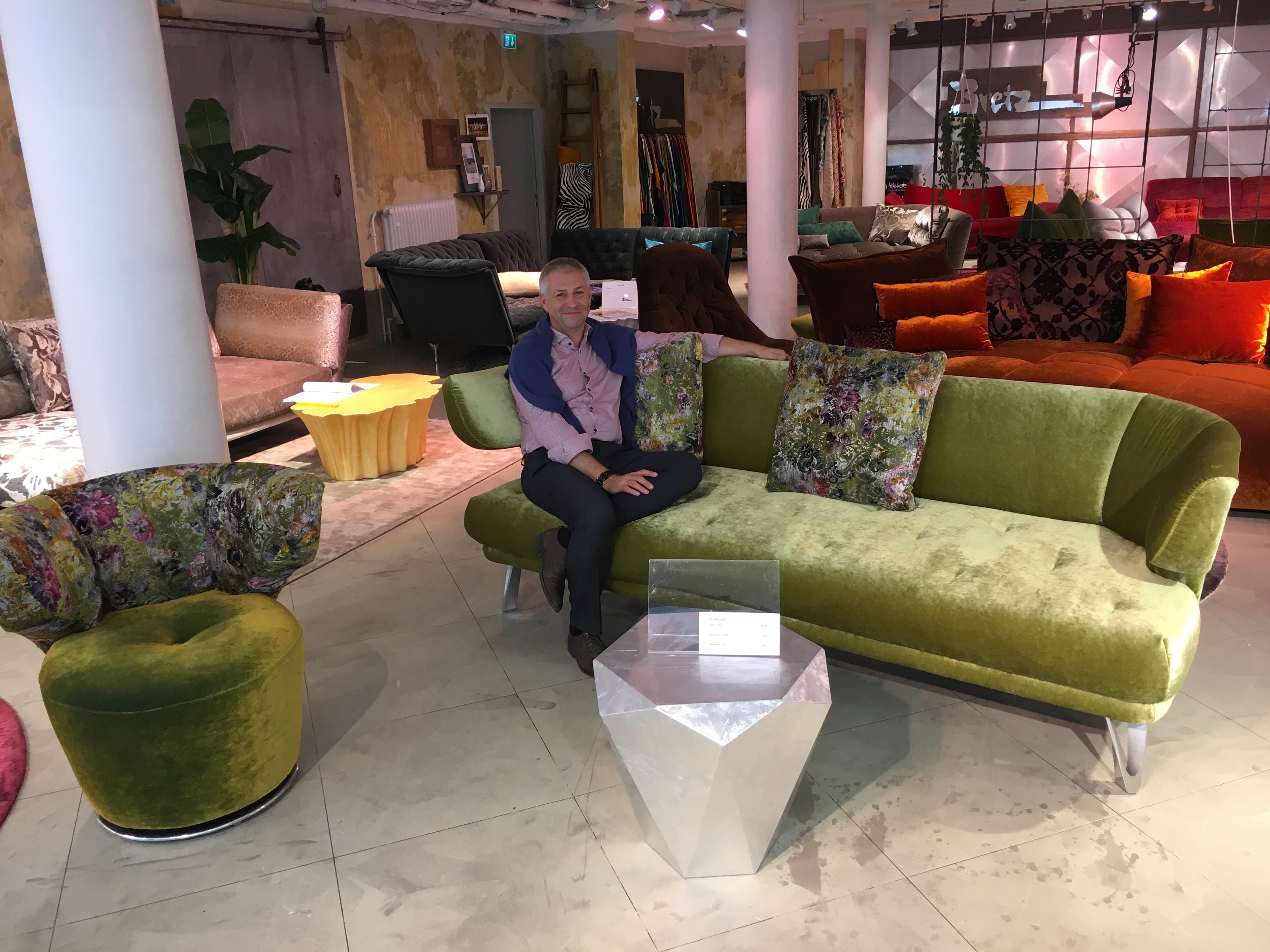 img 8202 bretz store frankfurt. Black Bedroom Furniture Sets. Home Design Ideas